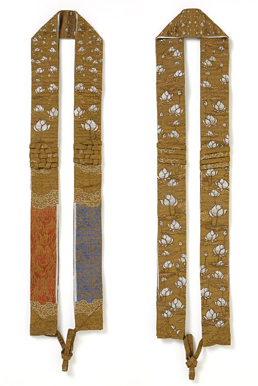 蓮の糸で紡ぐ織物